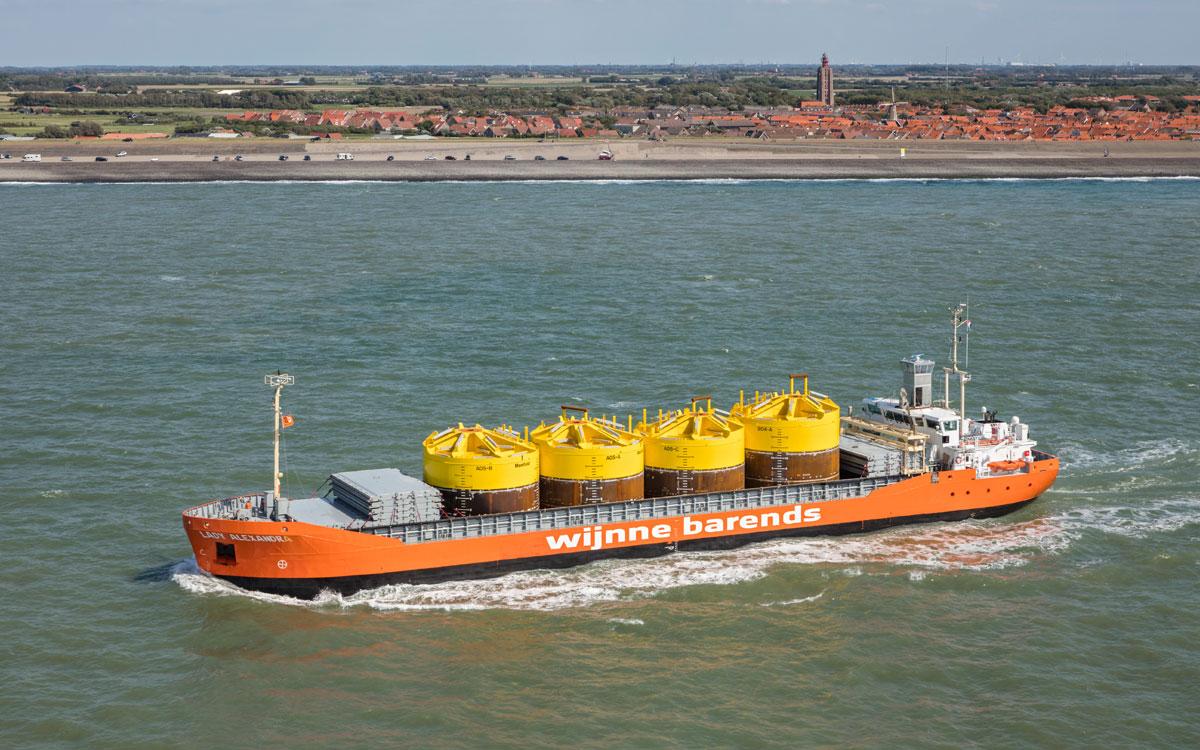 Sea crewing agency